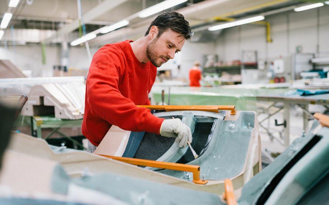 Mitarbeiter (m/w/d) für die Composite-Produktion