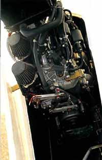 DG-505MB Motorraum